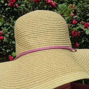 Midwest Glove & Gear Straw Hat with Pink Tie